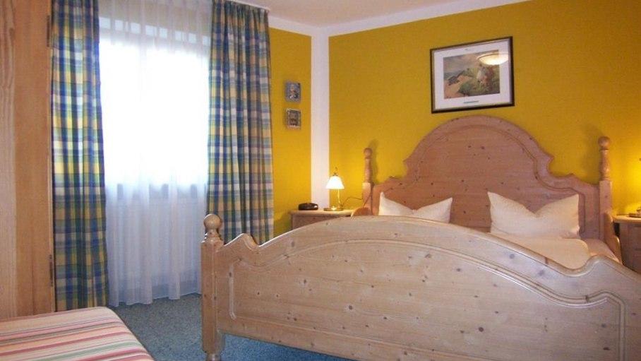 Fewo Alpdo 2, Schlafzimmer 1, © Charivari Ferienwohnungen