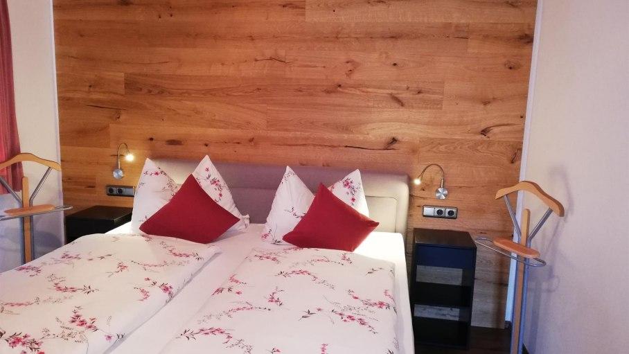 Schlafzimmer Alpenrose, © Haus Alpensonne - Bolsterlang