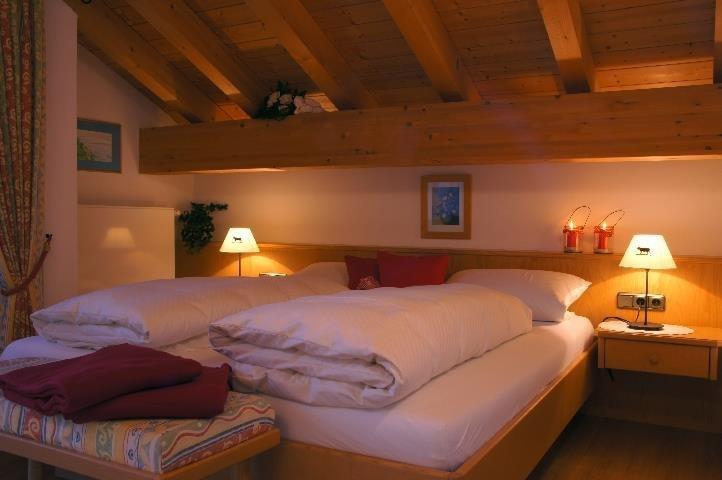 Ferienwohnung 5 - Schlafzimmer, © Ferienwohnungen Loni Vogler - Fischen i. Allgäu
