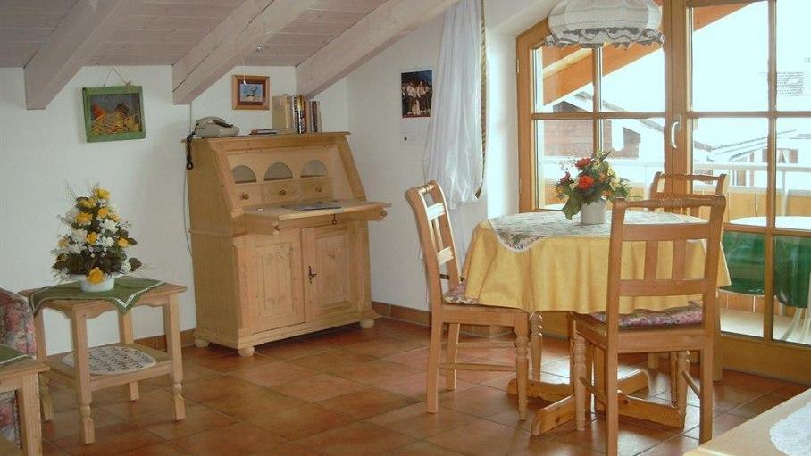 Essen mit Blick auf das Rubihorn - Fewo 5, © Ferienhaus Enzian - Fischen i. Allgäu