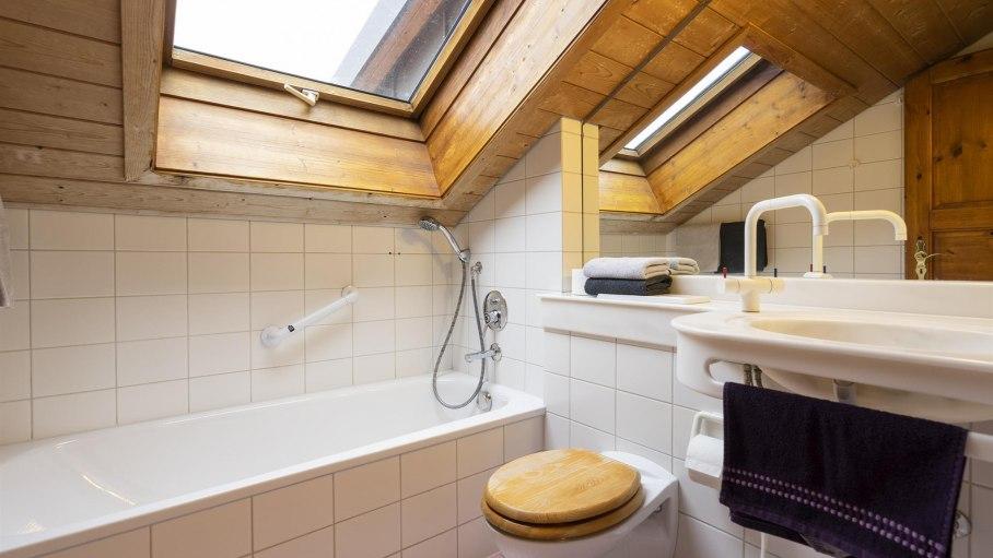 Ferienwohnung Himmelreich, Bad mit Badewanne