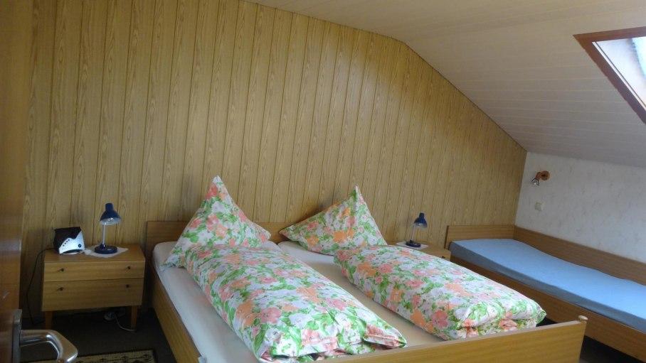 Schlafzimmer, © Ferienwohnung-Vermietung