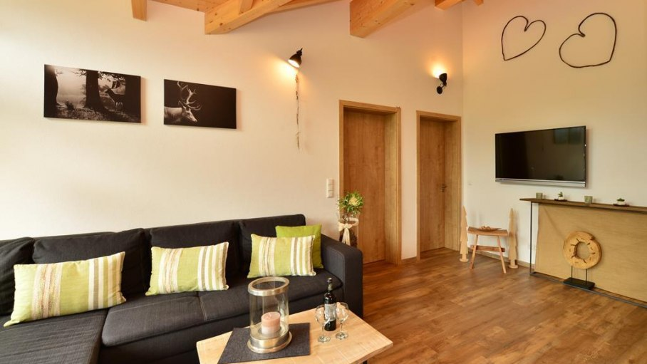 Wohnzimmer in der Fewo Nebelhorn, © Alexa Ferienwohnungen in Fischen