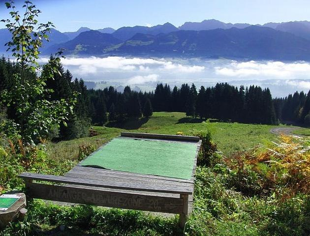 Disc Golf Parcours mit traumhafter Bergkulisse, © Frizbee.at