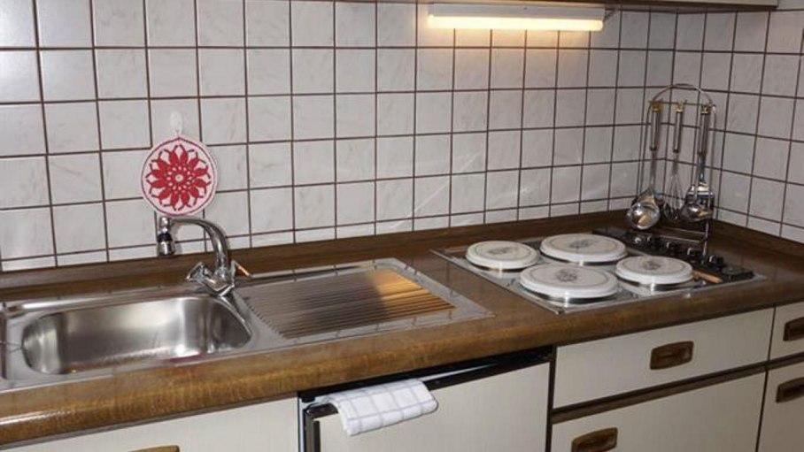 Küche in der Ferienwohnung, © Alpengasthof Sonnenkopf - Fischen i. Allgäu
