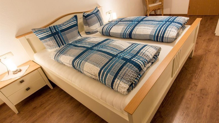 Ferienwohnung Kapplblick - Schlafzimmer 1, © Haus Schöll - Bolsterlang