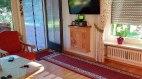 Wohnzimmer mit Terrassenzugang, © Alpenwiesle