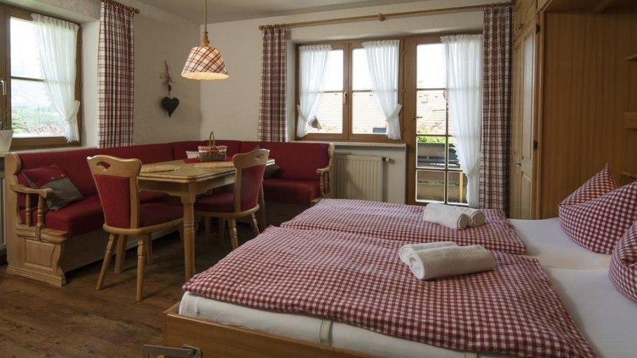 Ferienwohnung 3 - Wohnschlafzimmer, © Landhaus Exclusiv - Bolsterlang