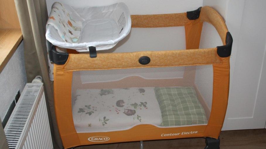 Kinderbett, © Ferienwohnung Gipfelstürmer - Bolsterlang
