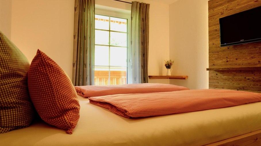 Ferienwohnung 1 OG - 2. Schlafzimmer, © Schmid's Ferienwohnungen - Ofterschwang