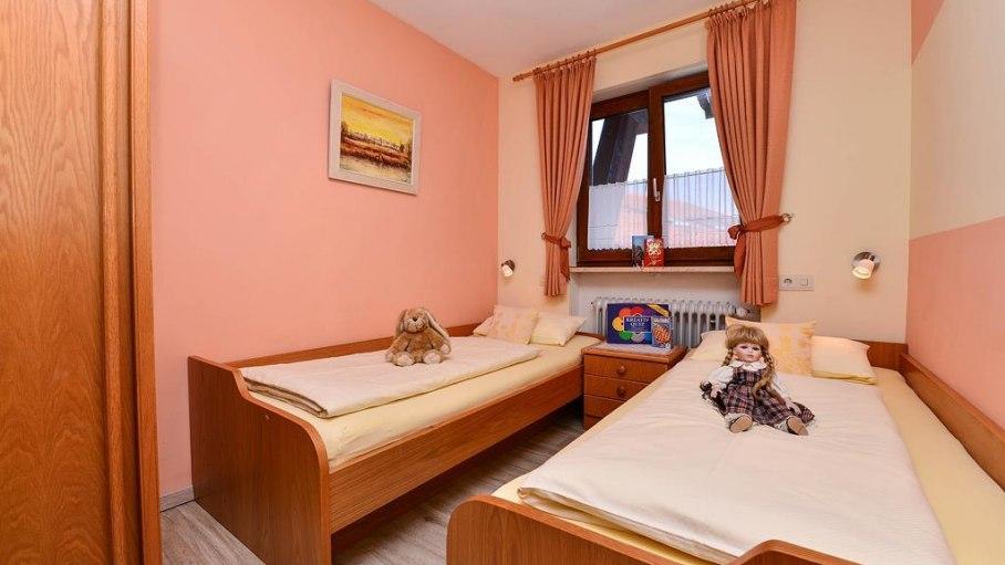 Kinderzimmer in der Ferienwohnung 5, © Hans-Peters Käshütte - Fischen i. Allgäu
