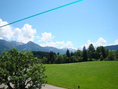 Blick von Untermühlegg auf den Allgäuer Alpen-Hauptkamm, © Tourismus Hörnerdörfer