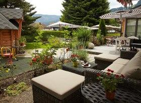 Café-Restaurant-Pizzeria Wintergarten, © Charivari Ferienwohnungen