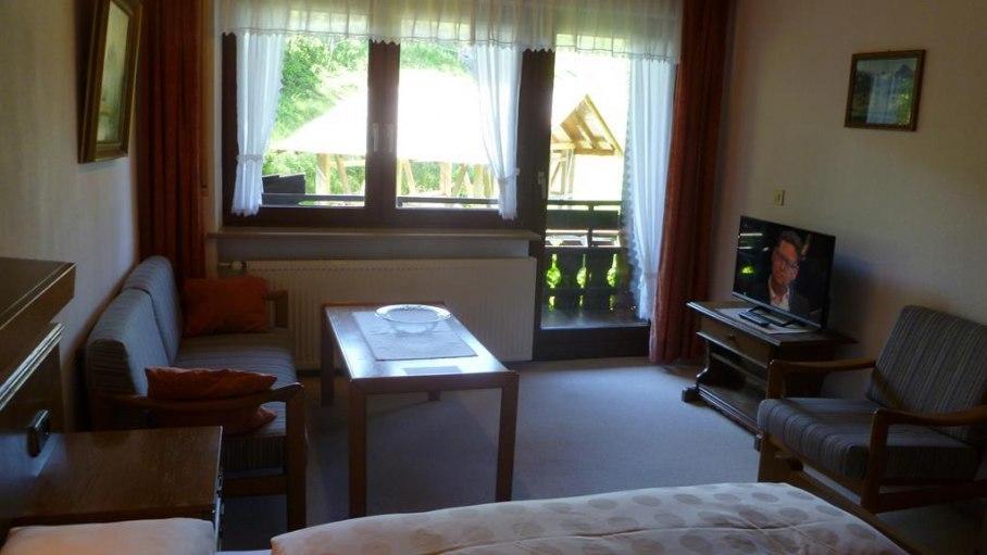 Zimmer 4 - Gästehaus Weitnauer in Fischen-Au, © Gästehaus Weitnauer - Fischen-Au im Allgäu