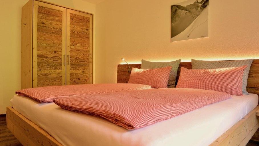 Ferienwohnung 1 OG - 1. Schlafzimmer, © Schmid's Ferienwohnungen - Ofterschwang