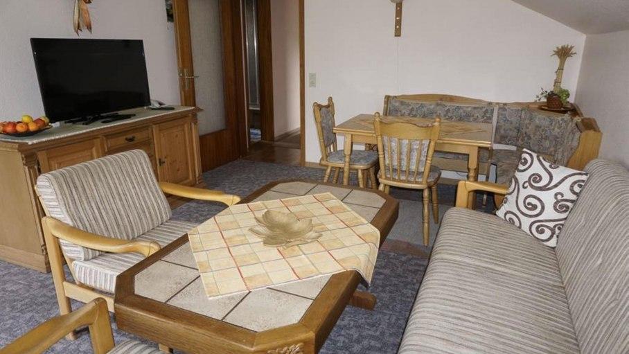Wohnzimmer in der Ferienwohnung, © Alpengasthof Sonnenkopf - Fischen i. Allgäu