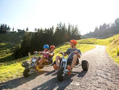 Mountaincart fahren an der Hörnerbahn Bolsterlang, © Hörnerbahn, F. Kjer