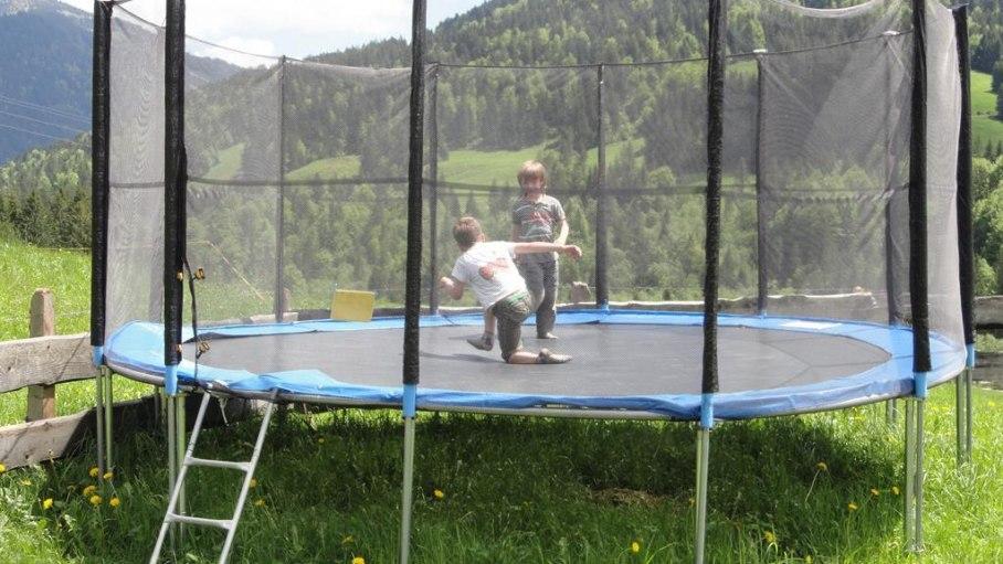 Ferienhof Almfrieden - mit Trampolin