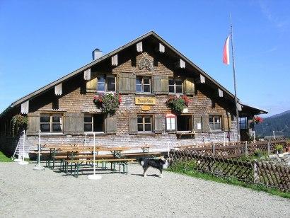 Blick zur Burgl Hütte, © Kienle– das Kräuterhotel