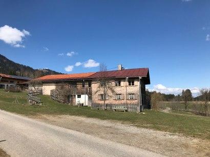 Ein altes Bauernhaus im Ortsteil Riedle