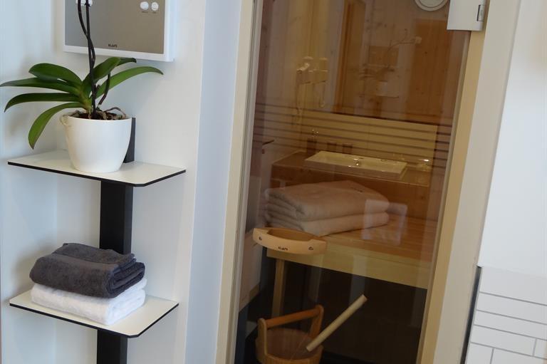 Sauna im Bad der Ferienwohnung Rubihornblick, © Haus Schmidbauer - Fischen im Allgäu