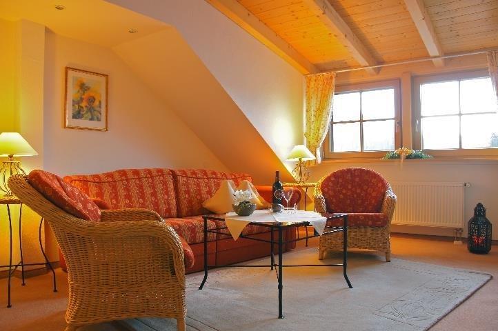 Ferienwohnung 2- Wohnraum - Loni Vogler, © Ferienwohnungen Loni Vogler - Fischen i. Allgäu
