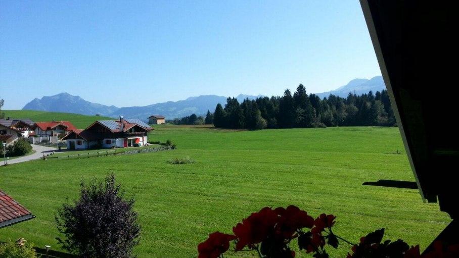 Ferienwohnung 5 - Aussicht zum Grünten, © Landhaus Exclusiv - Bolsterlang