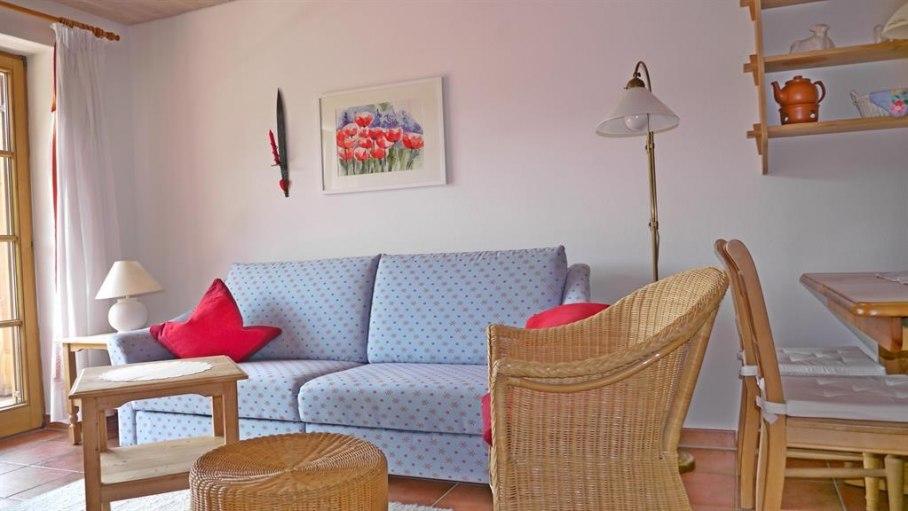 gemütliches Sofa zum Ausziehen - Fewo 2, © Ferienhaus Enzian - Fischen i. Allgäu