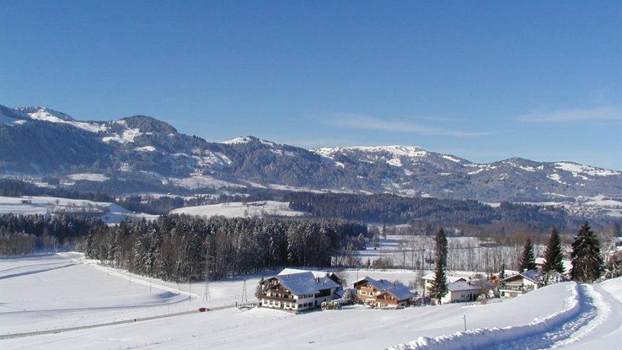 Winterwanderweg oberhalb von Oberthalhofen, © FeWo Speigl