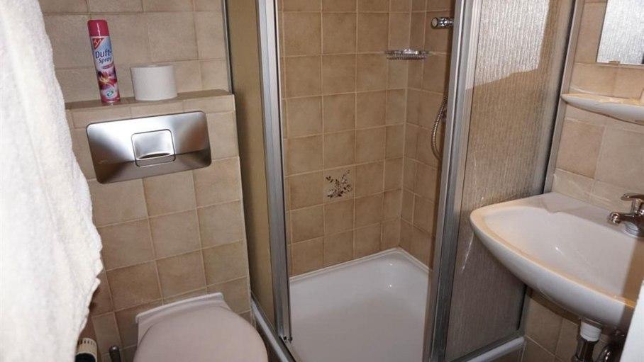 Dusche / WC im Doppelzimmer 7, © Alpengasthof Sonnenkopf - Fischen i. Allgäu