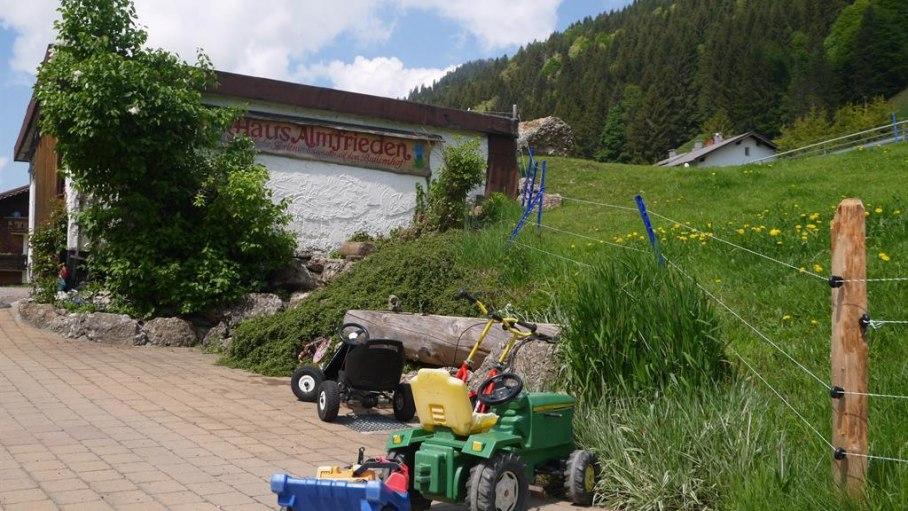 Fahrzeuge für die kleinen Bauern