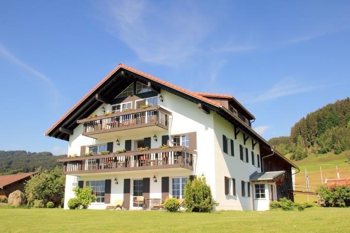 Perfekte Lage, ruhig mit traumhafter Aussicht, © Alpen Lodge Allgäu - Ofterschwang
