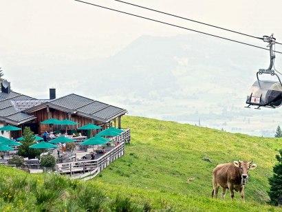 Weltcup-Express und Weltcup-Hütte in Ofterschwang, © Tourismus Hörnerdörfer, ProVisionMedia