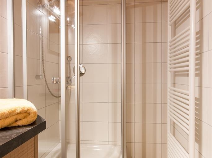 Ferienwohnung Kapplblick - Dusche, © Haus Schöll - Bolsterlang