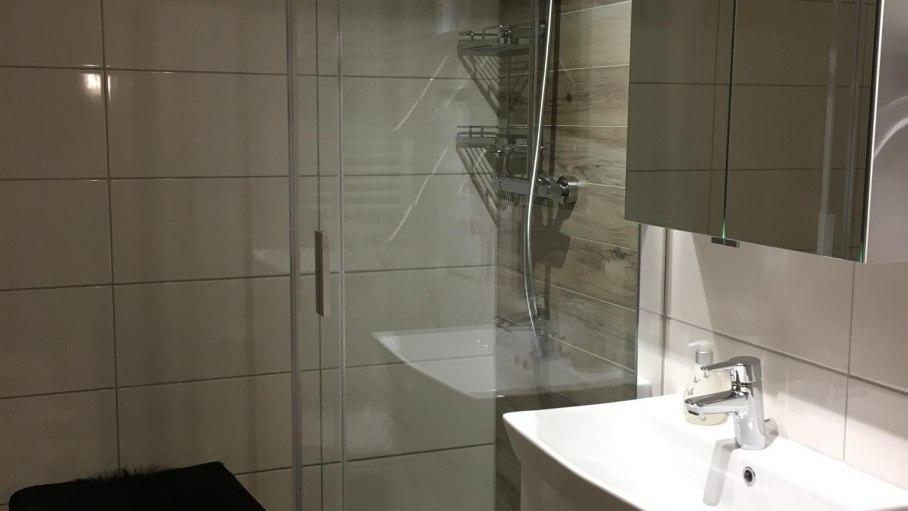 Bad mit großer Dusche, © Alpenwiesle