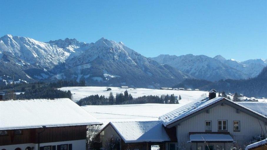 Ferienwohnung Hohla, Ausblick vom Balkon im Winter